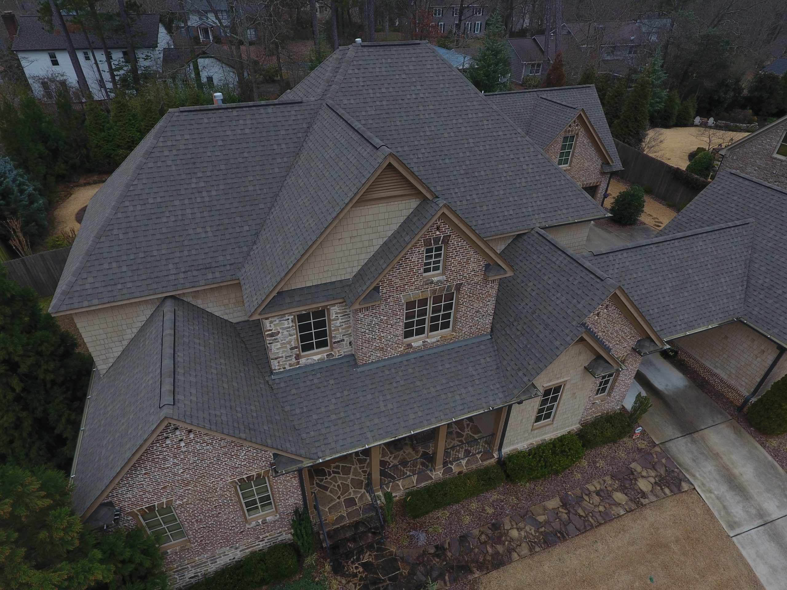 Roswell Roof Replacement with Charcoal Asphalt shingles