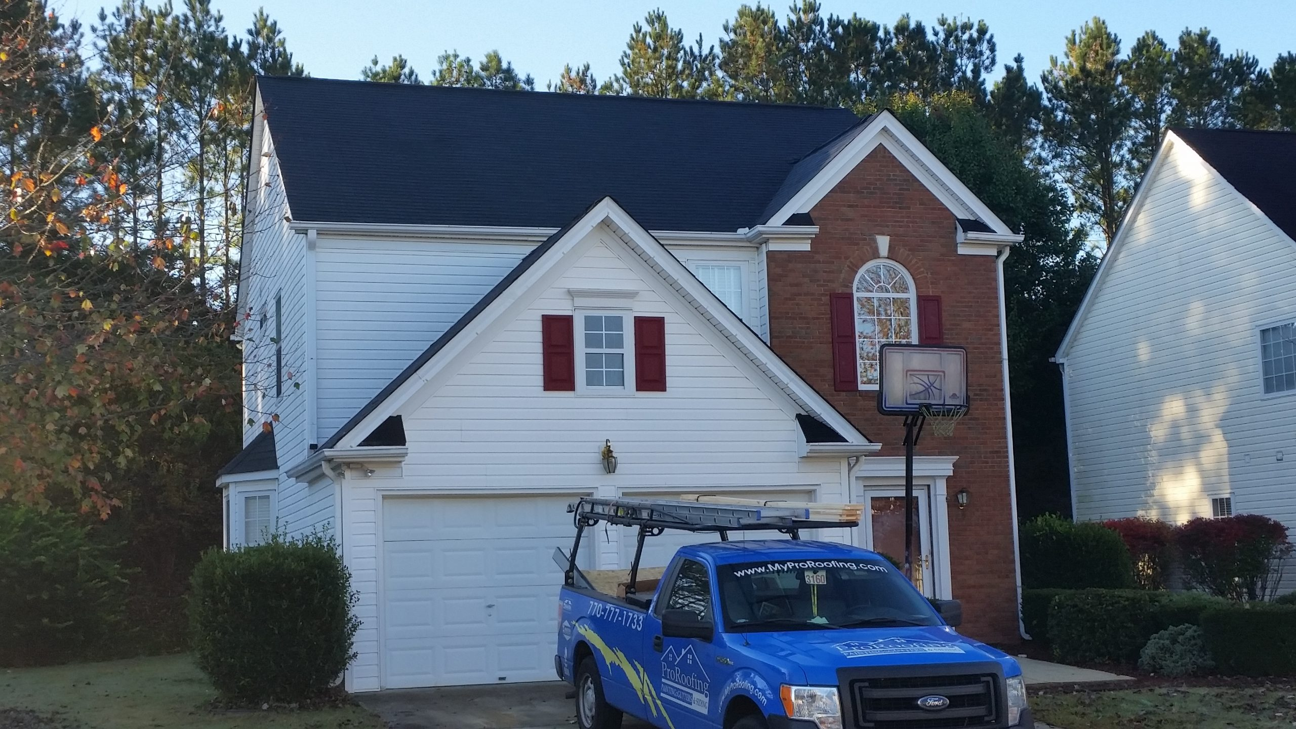 White Siding installation in Austell